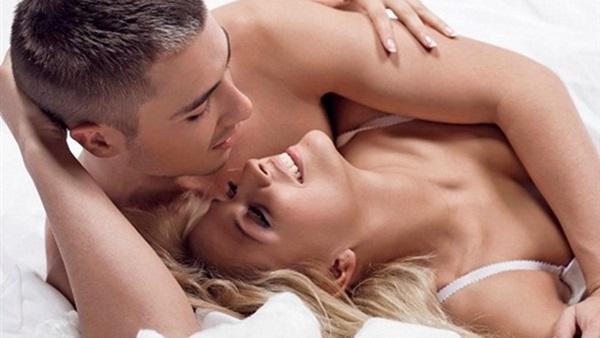 بالصور نوم الزوجين بدون ملابس بالصور , صور نوم الزوجين بدون ملابس 5497 2