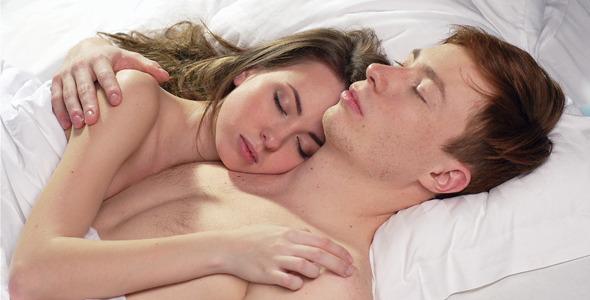 بالصور نوم الزوجين بدون ملابس بالصور , صور نوم الزوجين بدون ملابس 5497 5
