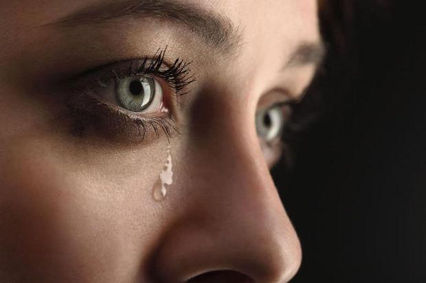 بالصور صور عيون تدمع , صور حزينه لعيون تدمع 5522 5