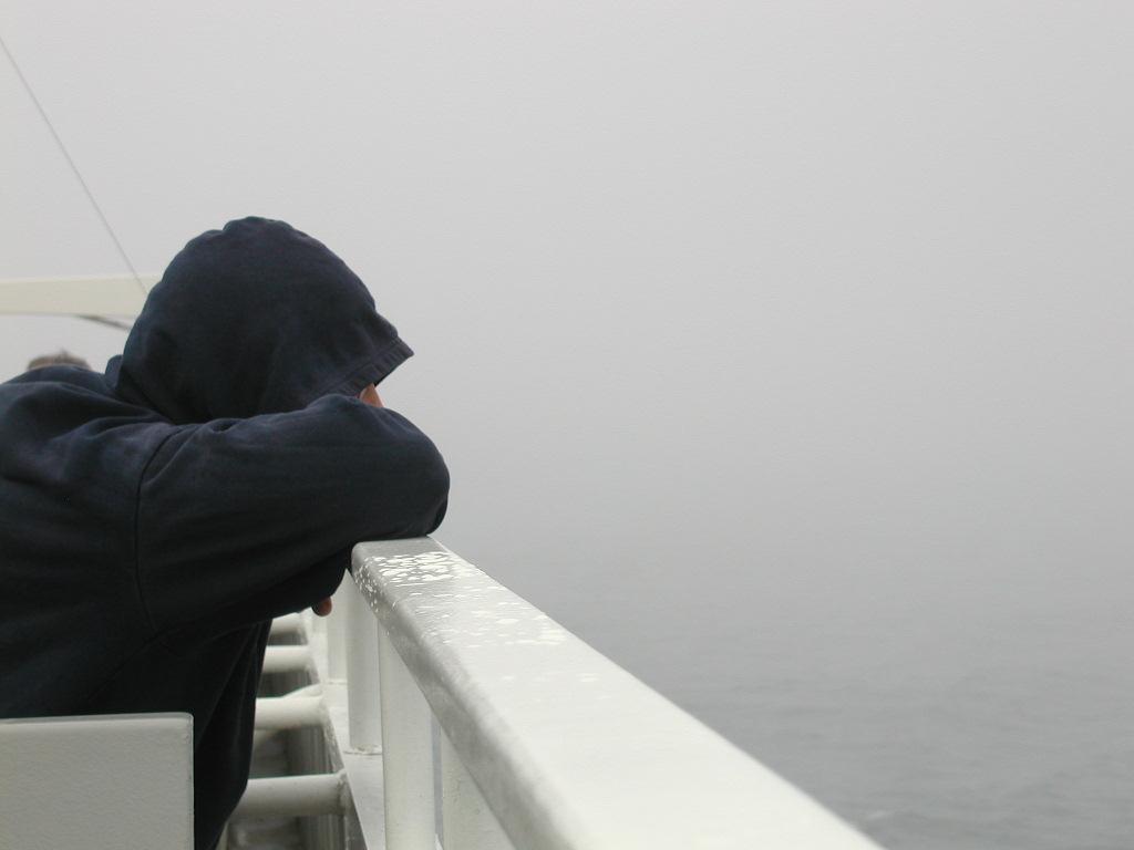 صور اجمل الصور الحزينة للرجال , خلفيات حزن و الم للشباب