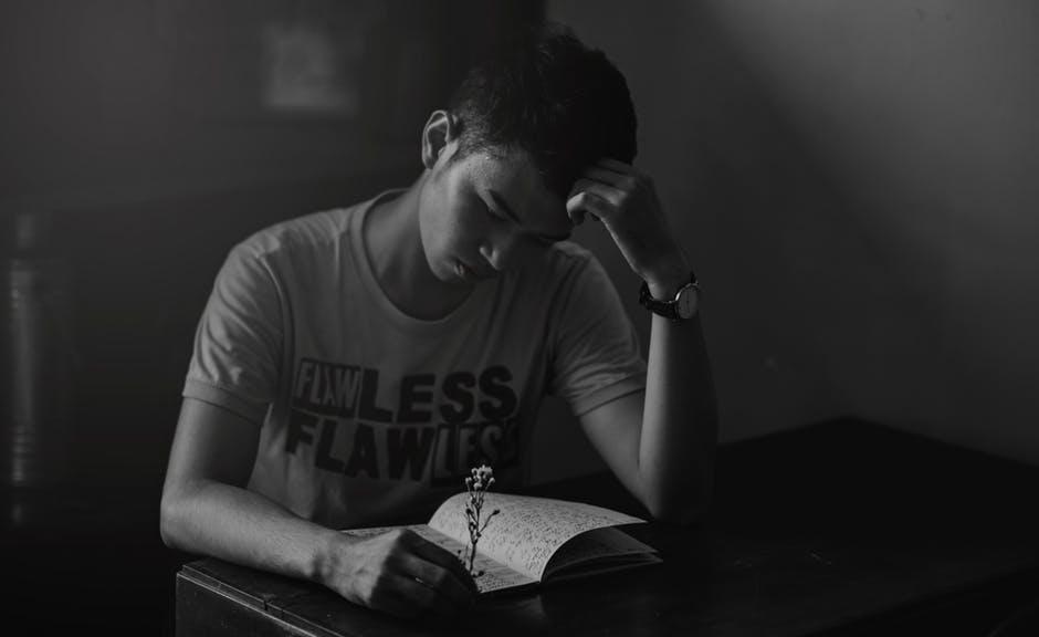 بالصور صور شخص حزين , تعبير عن الحزن من الصور