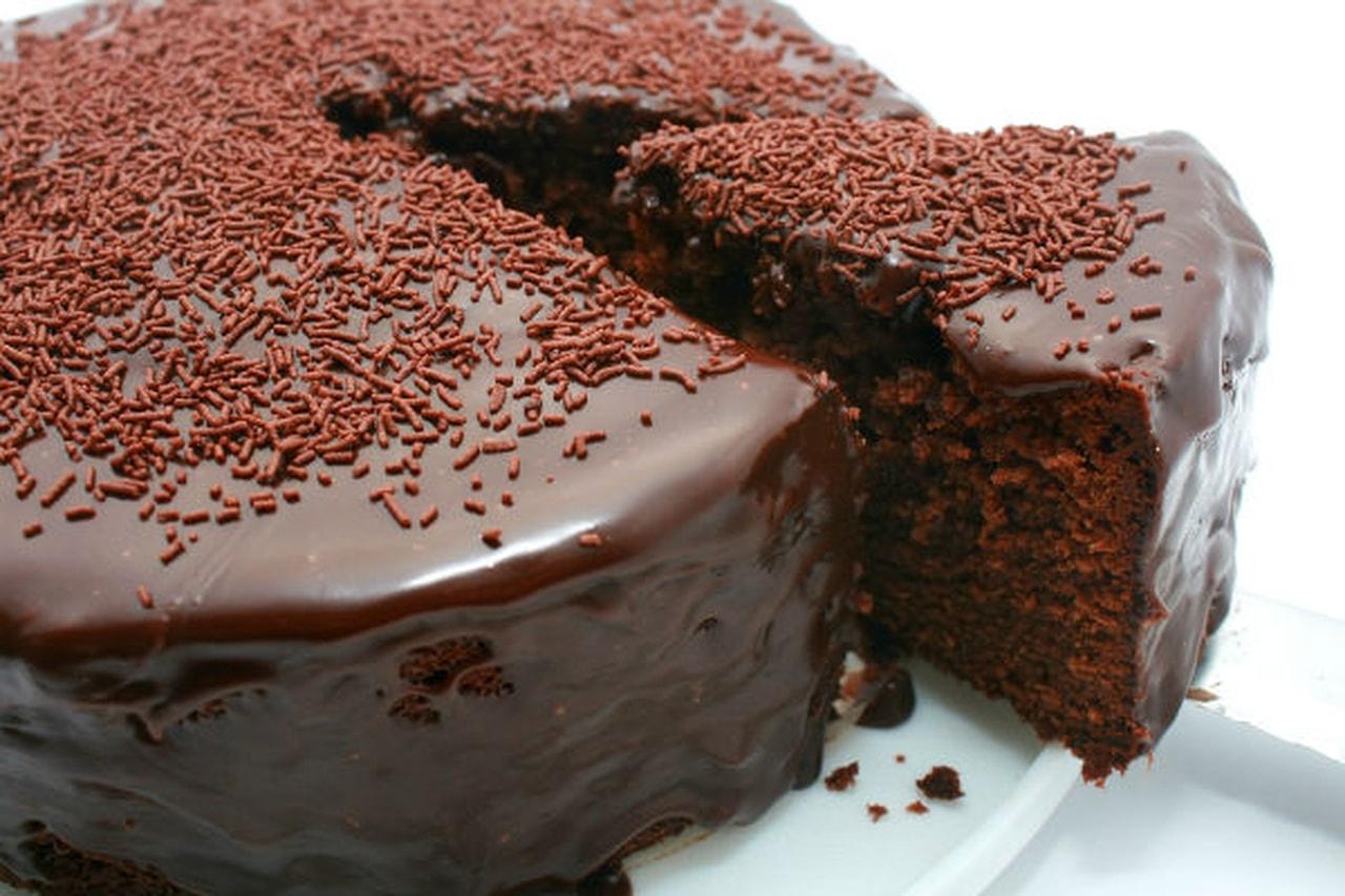 صورة طريقة عمل الكيك بالشوكولاتة سهلة , اسهل طريقة لعمل الكيك بالشيكولاتة