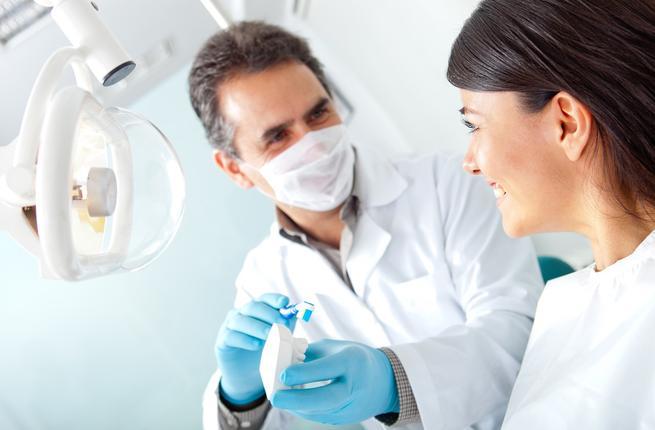صور قصتي مع الدكتور , قصه مع افضل دكتور لزراعة الاسنان