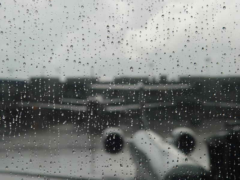 صورة خلفيات مطر , روعه المطر في خلفيه الهاتف