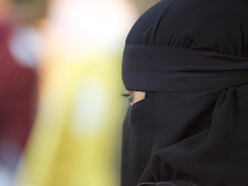 صور بنات جده , جمال العيون المتكحله في بنات جده