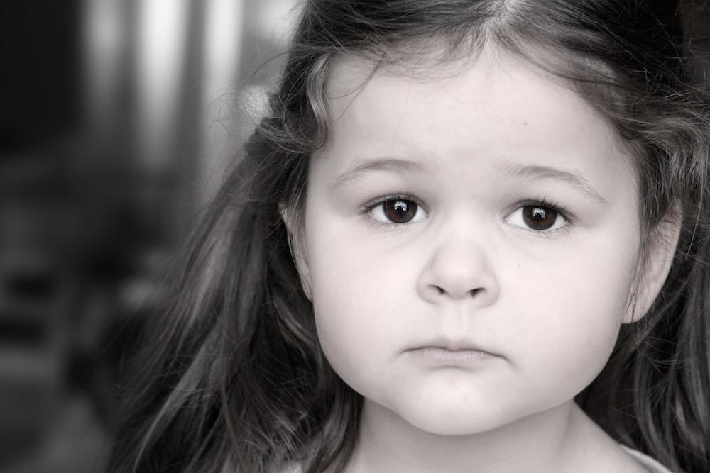 صور صور بنت زعلانه , الحزن في عين البنت