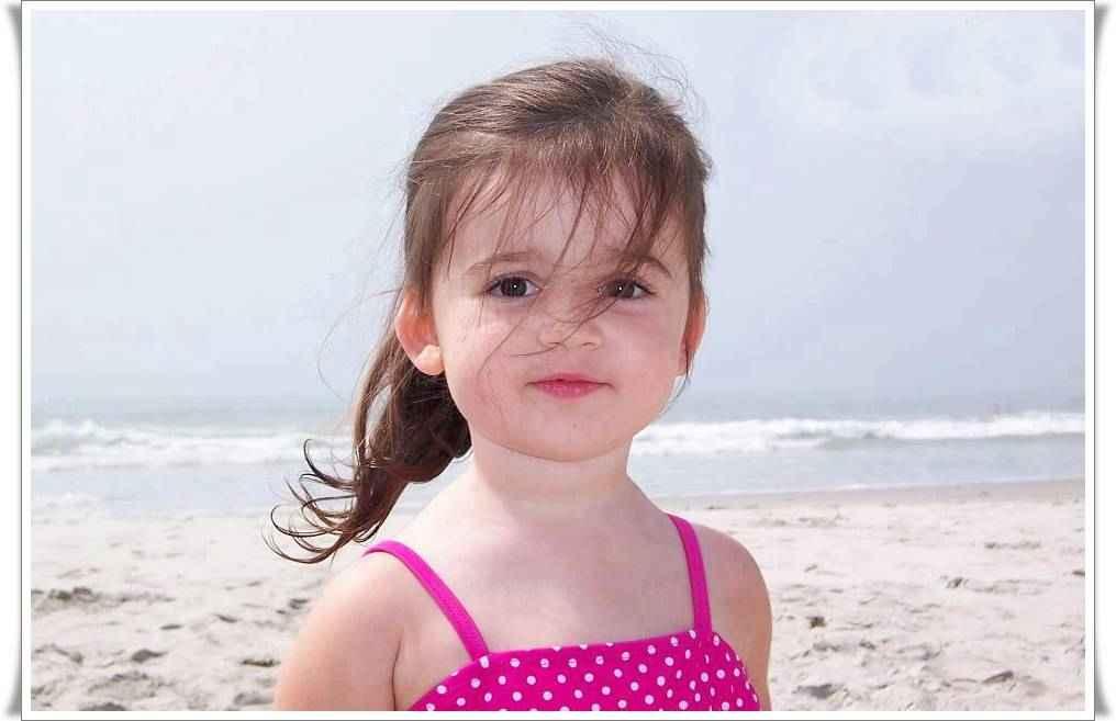 بالصور اجمل بنات اطفال , لمسات تلمس القلب من ابتسامه صغيره من طفله 1256 7