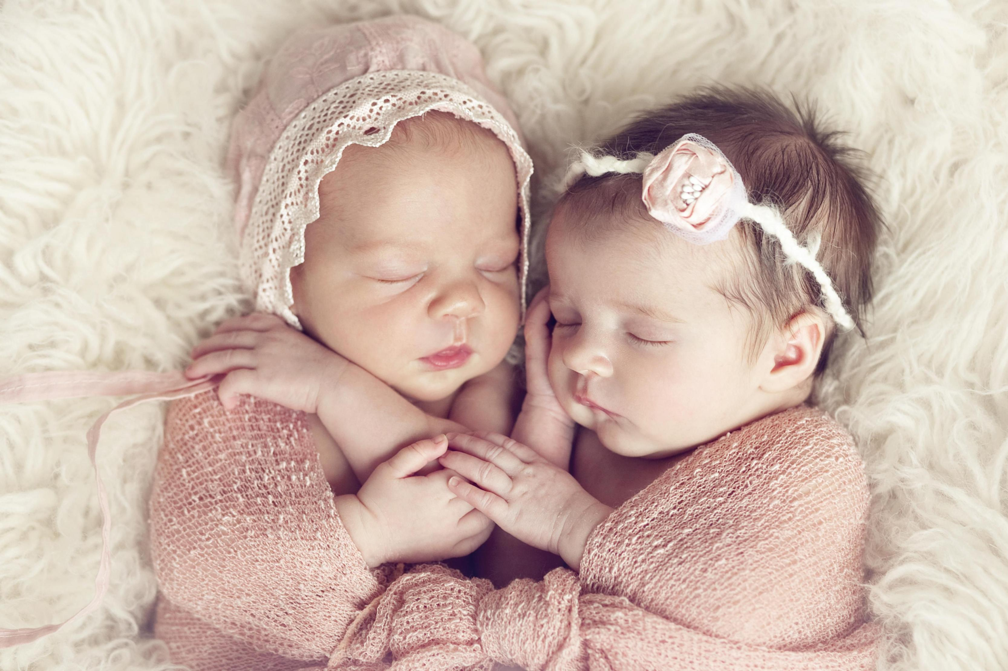 بالصور اجمل بنات اطفال , لمسات تلمس القلب من ابتسامه صغيره من طفله 1256 8