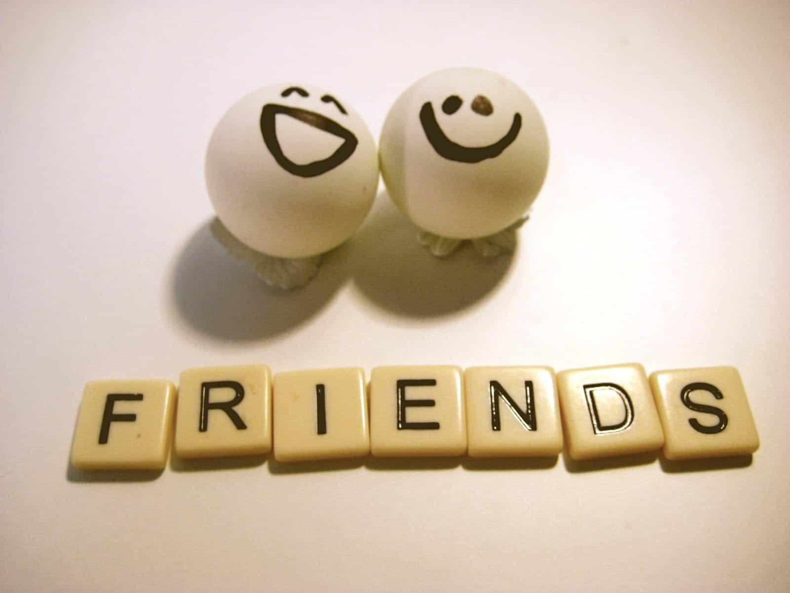 بالصور عبارات جميلة عن الصداقة , عبارات حب و احترام للاصدقاء 1315 5