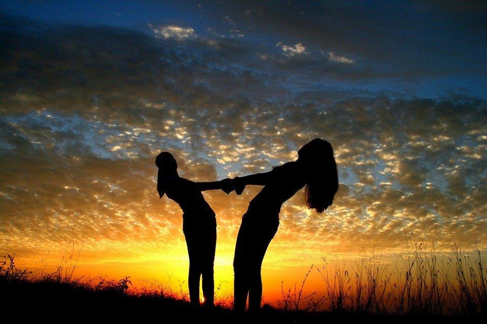 بالصور عبارات جميلة عن الصداقة , عبارات حب و احترام للاصدقاء 1315 8