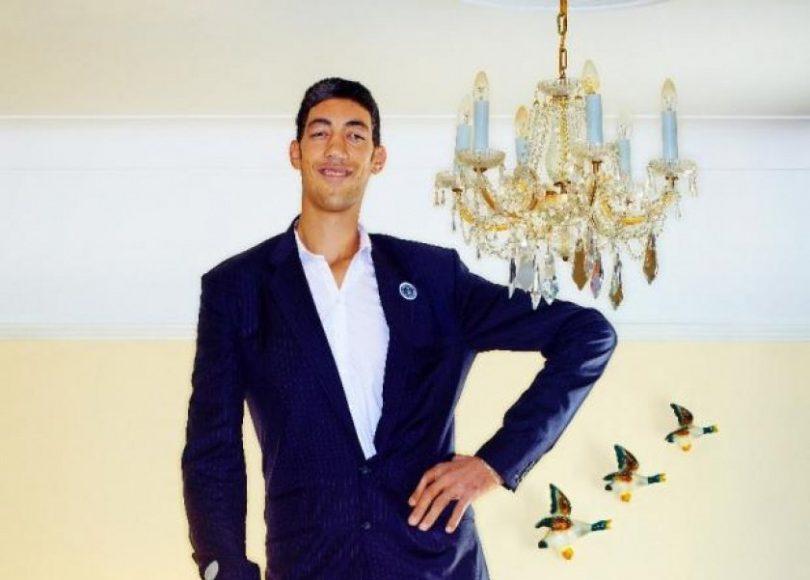صور اطول رجل في العالم , اهم المعلومات عنه