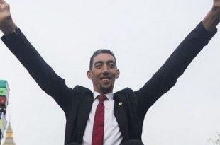 صورة اطول رجل في العالم , اهم المعلومات عنه