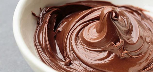 صور كريمة الشوكولاته لتزيين الكيك , كيفية صنع كريمة الشوكولاته لتزيين الكيك