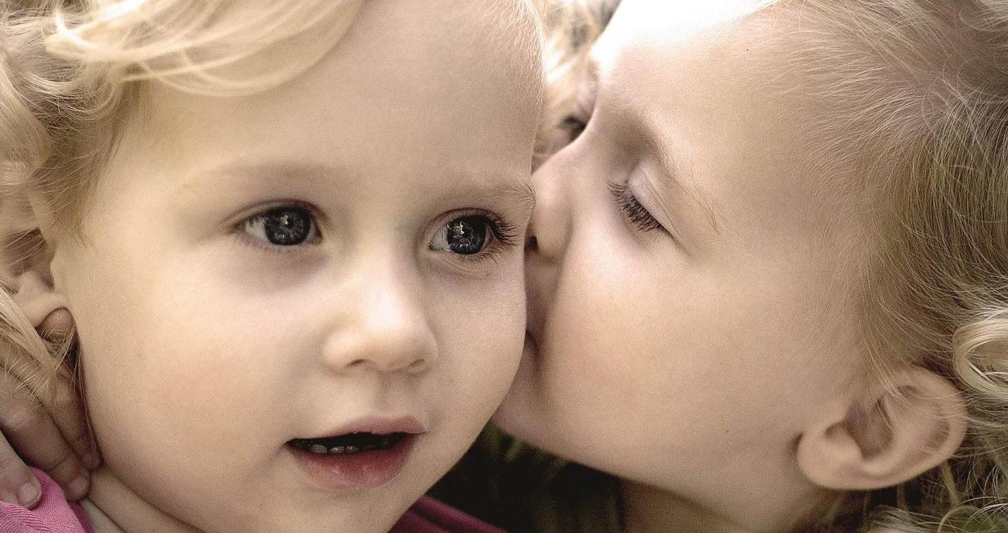 بالصور بوس الشفايف , صور بوس شفايف اطفال جميلة 4227 2