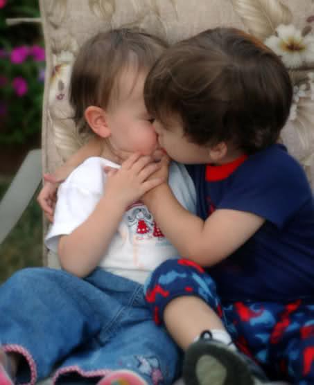 بالصور بوس الشفايف , صور بوس شفايف اطفال جميلة 4227 4