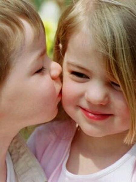 بالصور بوس الشفايف , صور بوس شفايف اطفال جميلة