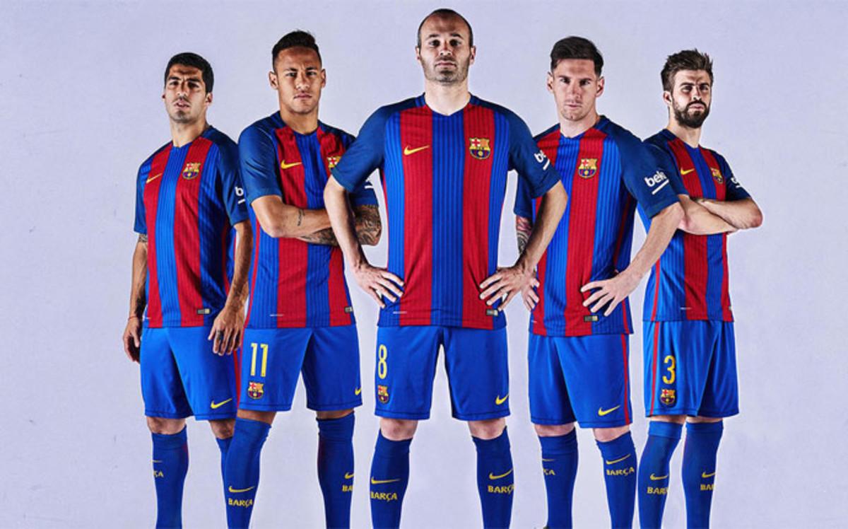 بالصور صور فريق برشلونة , اجدد صور للنادي الاسباني الكاتلوني 4413 6