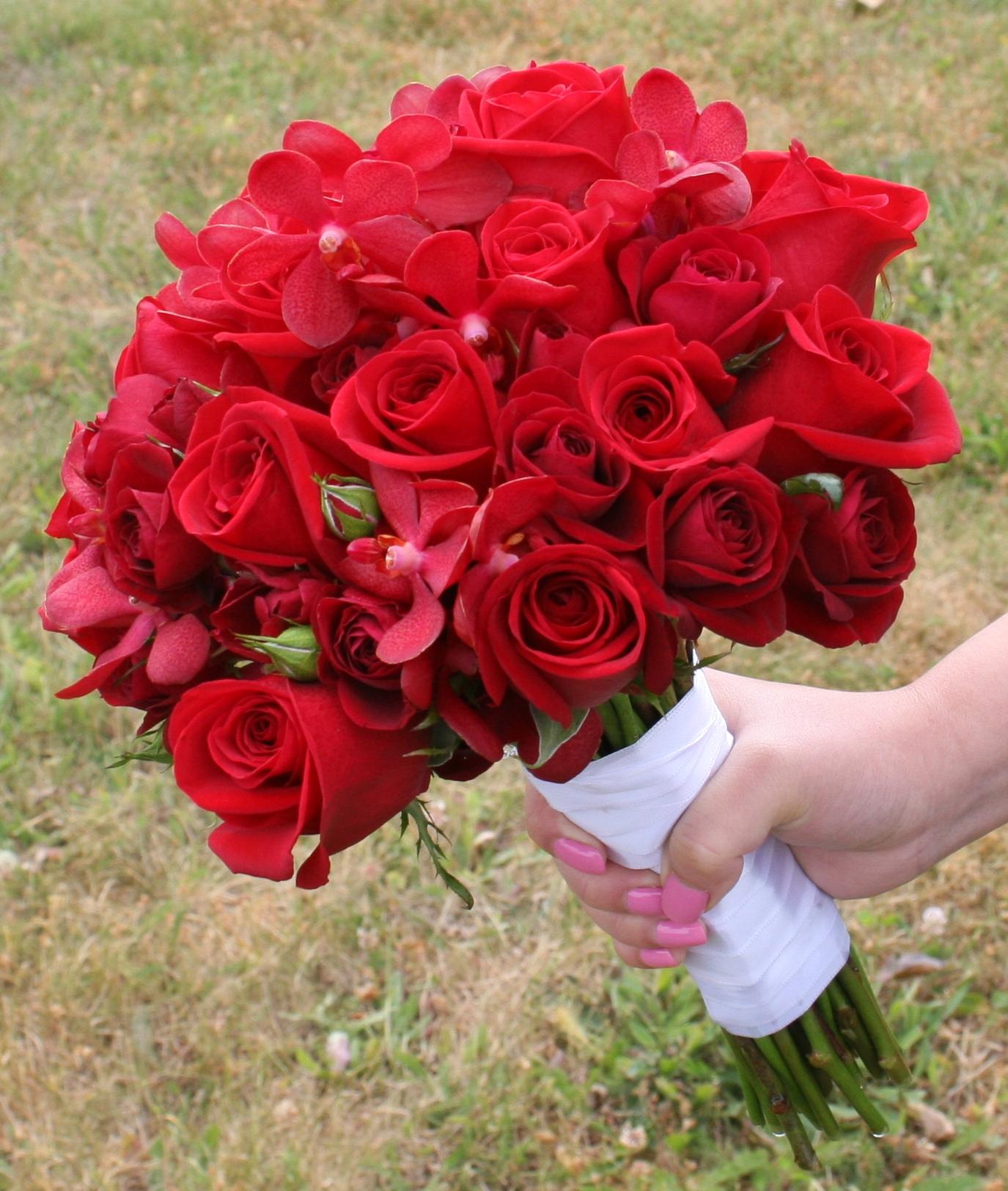 صور بوكيه ورد احمر , اجمل صور لبوكيهات الورد باللون الاحمر
