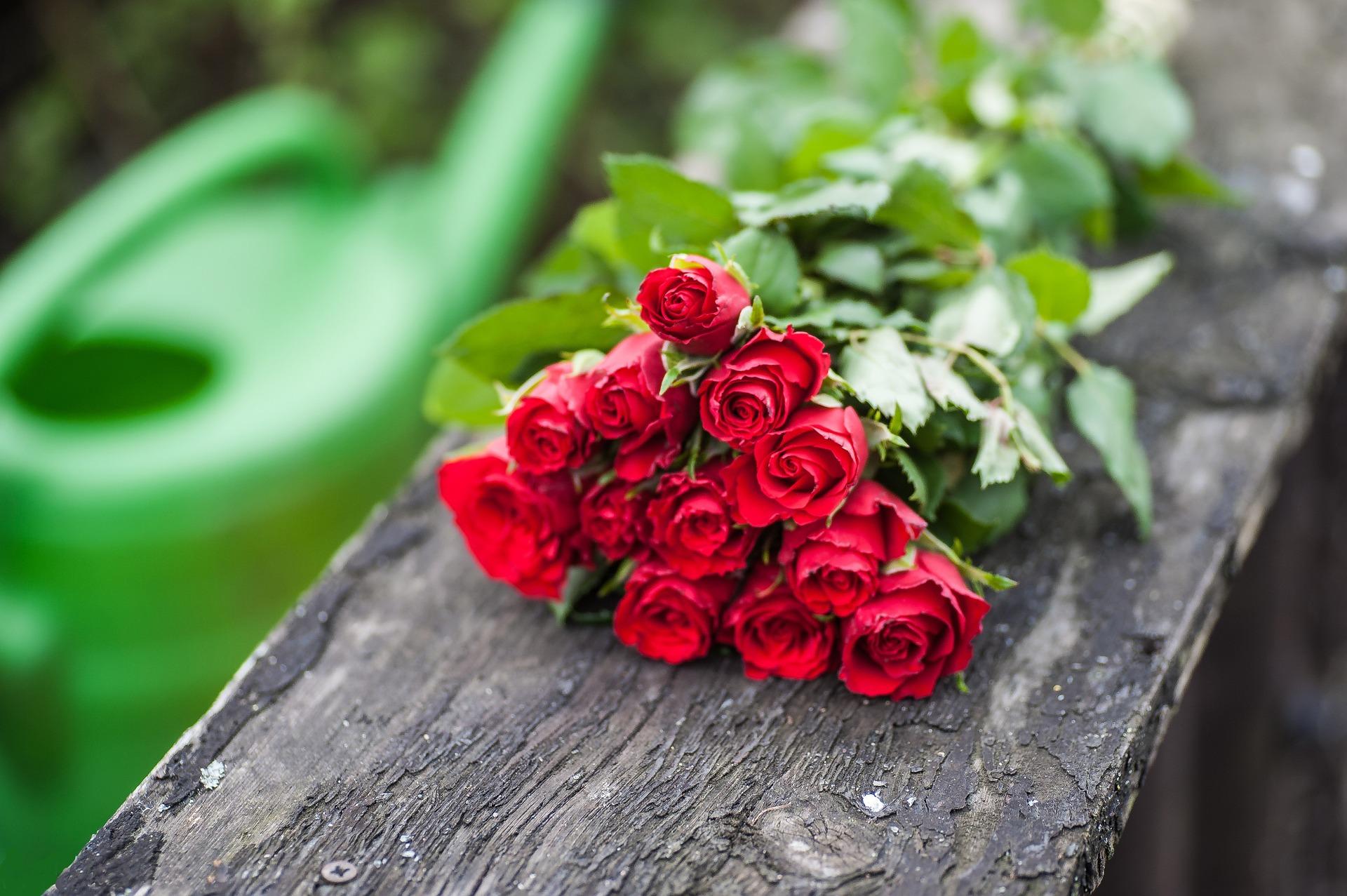 بالصور بوكيه ورد احمر , اجمل صور لبوكيهات الورد باللون الاحمر 4431 4