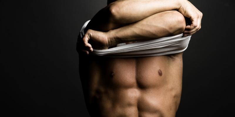 بالصور ماذا تحب المراة في جسم الرجل , صور رجال عضلات 4460 2