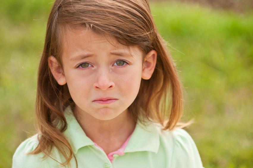 بالصور طفلة تبكي , صور دموع اطفال حزينة 4497 2