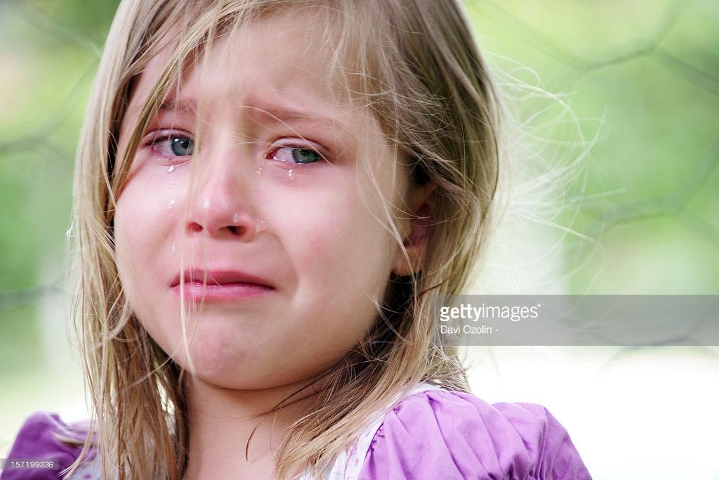 بالصور طفلة تبكي , صور دموع اطفال حزينة 4497 3