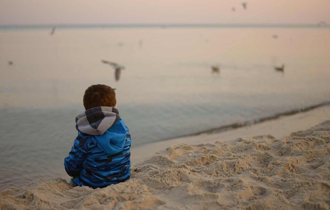 صور كلام حزين ومؤثر , شعر حزين عن الحياه مؤثر جدا
