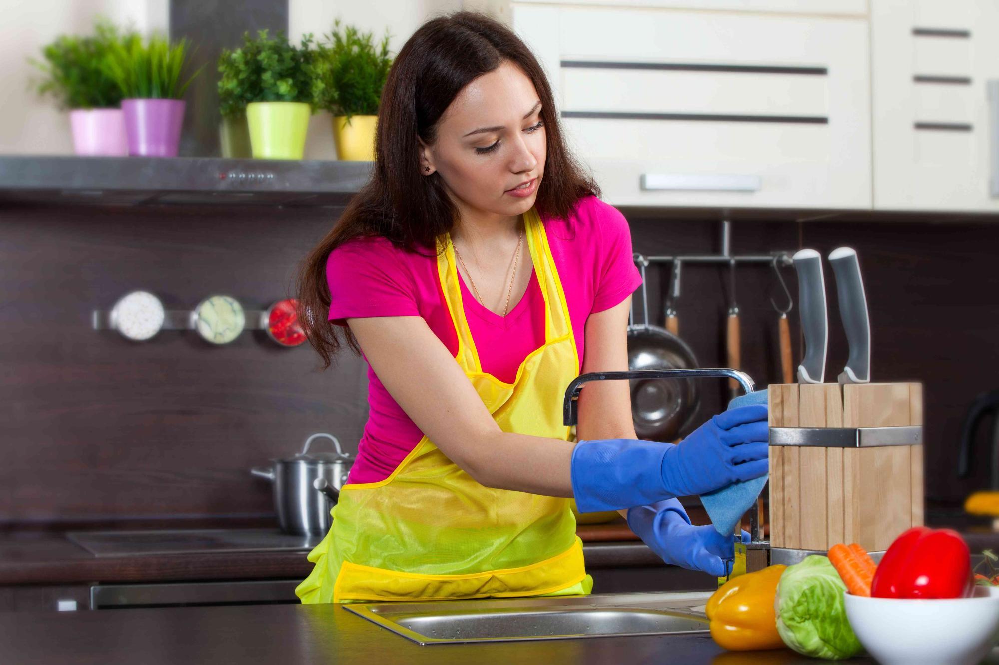 صورة تنظيف المنزل , منزل نظيف ملئ بالضيوف