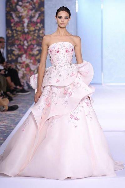 بالصور فساتين زفاف ملونة , فساتين زفاف غير تقليدية ومتعددة الالوان 11306 3