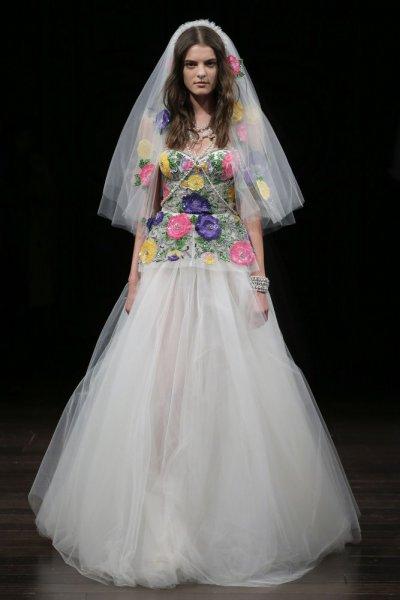 بالصور فساتين زفاف ملونة , فساتين زفاف غير تقليدية ومتعددة الالوان 11306 4