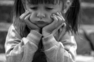 صورة صور بنات صغار حزينه , احلي و اجمل صور بنات حزينة