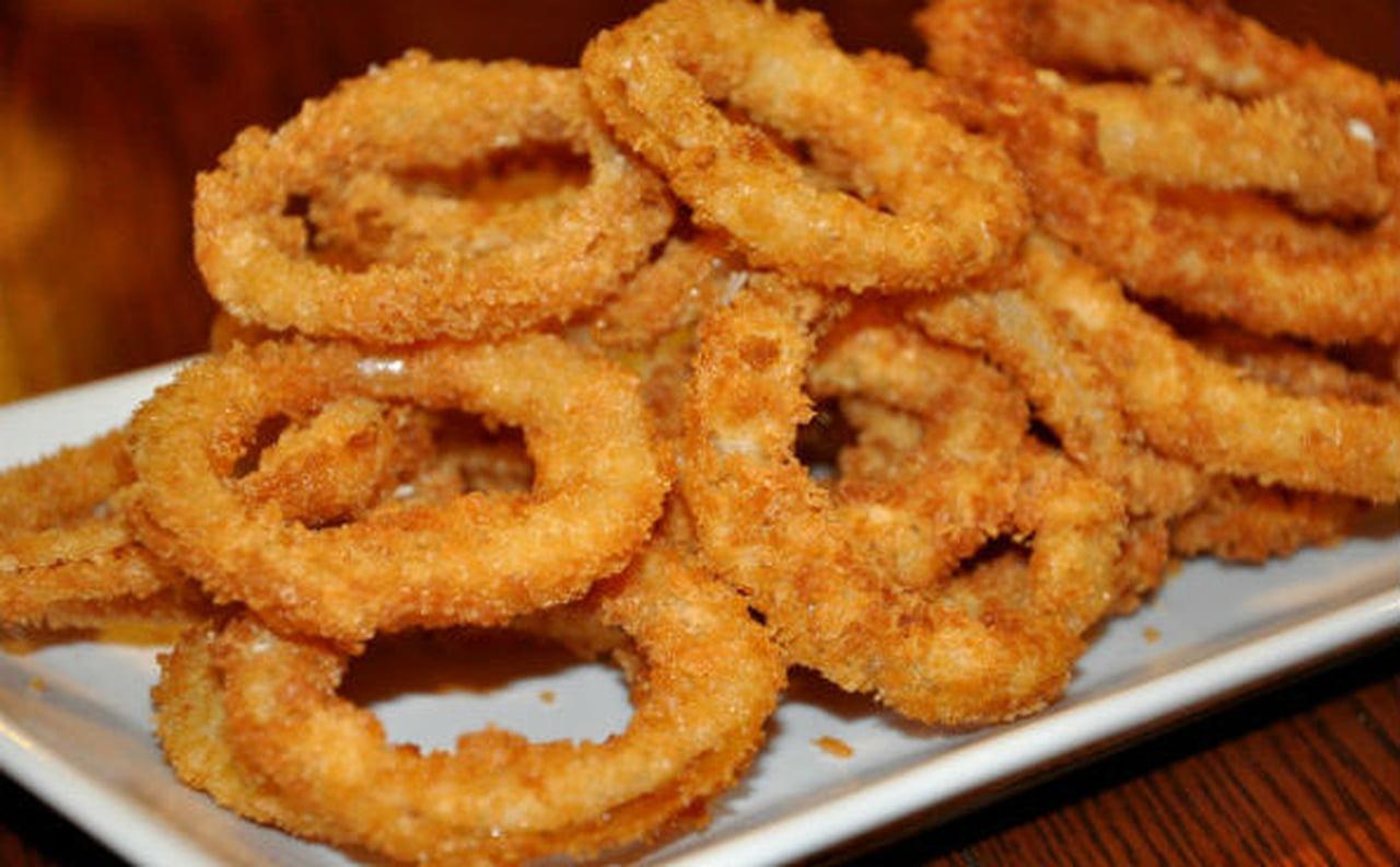 صور طريقة عمل حلقات البصل المقليه , وصفة حلقات البطاطس المقلية