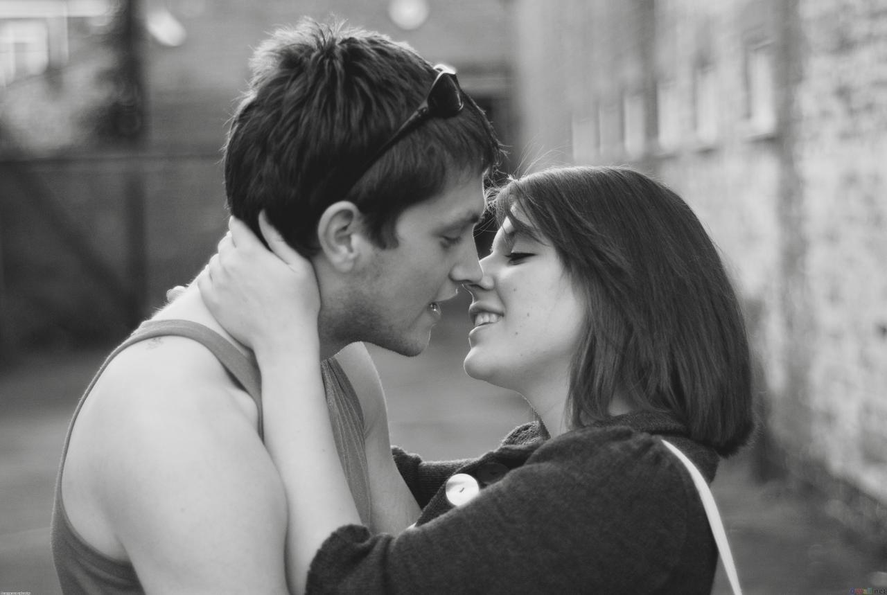 صورة صور قبلات واحضان رومانسيه , اجمل صور رومانسيه وقبلات