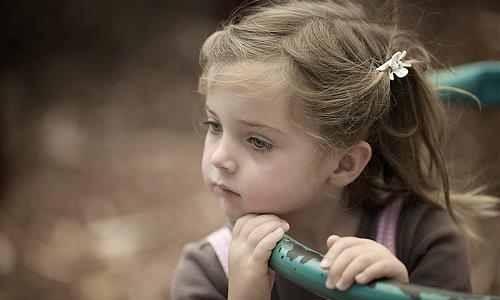 صور صور اطفال حزينه , لا يحق للاطفال الحزن