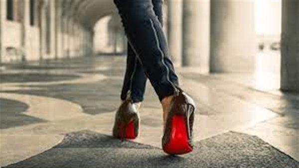 صور اتيكيت المشي للبنات بالصور , اساسيات واصول المشي للنساء