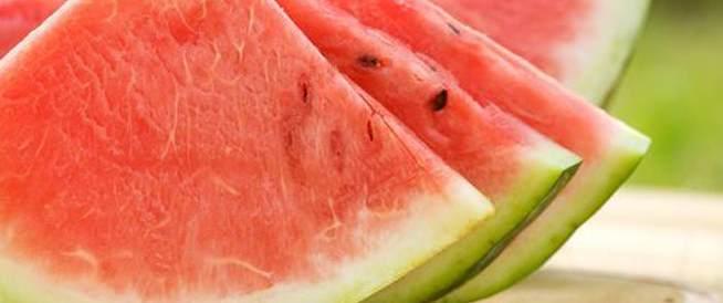 صورة ماذا يعمل البطيخ في الصحة , فوائد البطيخ